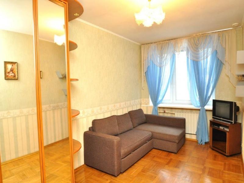 1-комнатная квартира на сутки адрес-угданская 18